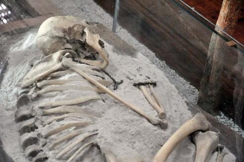 Cochasquí, restos de una Indígena. Foto: Acuario27