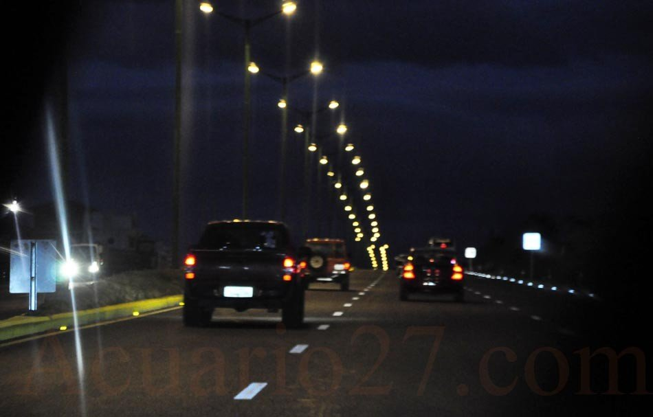 Autopista Ibarra - Otavalo.- Foto Acuario27