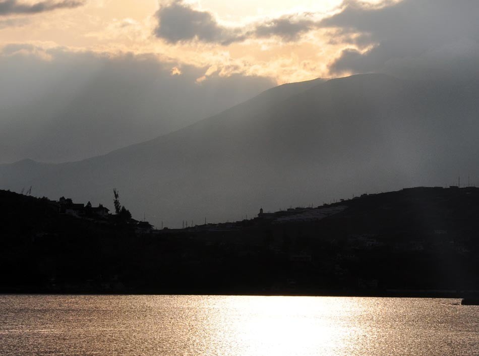 Yahuarcocha.- Lago de Sangre.- Foto: Acuario27