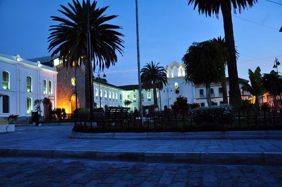 Iglesia del Colegio San Francisco: Foto: Acuario27