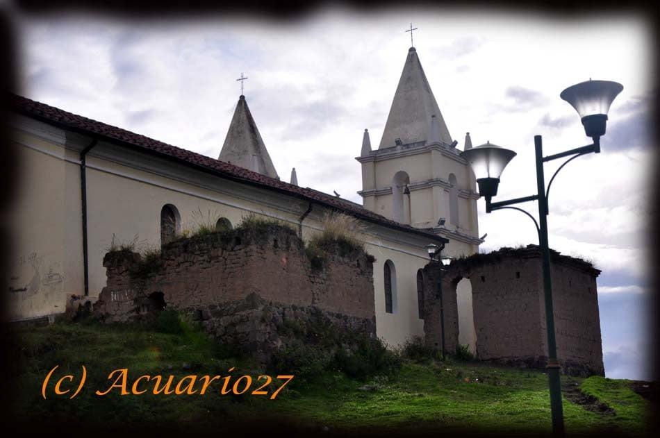 Iglesia de Lourdes. San Pablo del Lago: Foto Acuario27