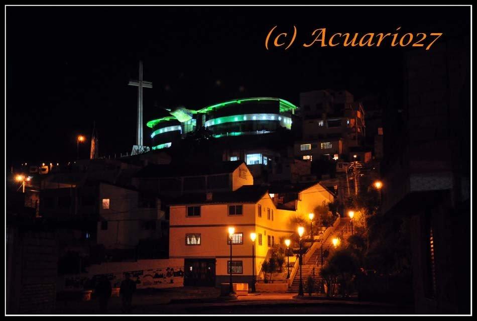 Otavalo, Cruz y colibrí. Foto: Acuario27